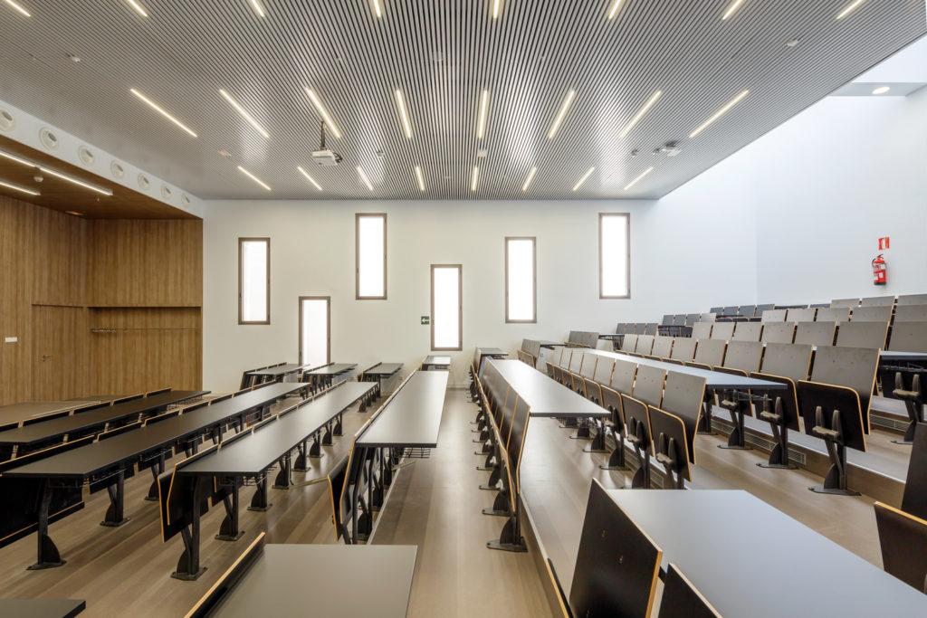 کلاس آموزشی خالی از دانش آموز