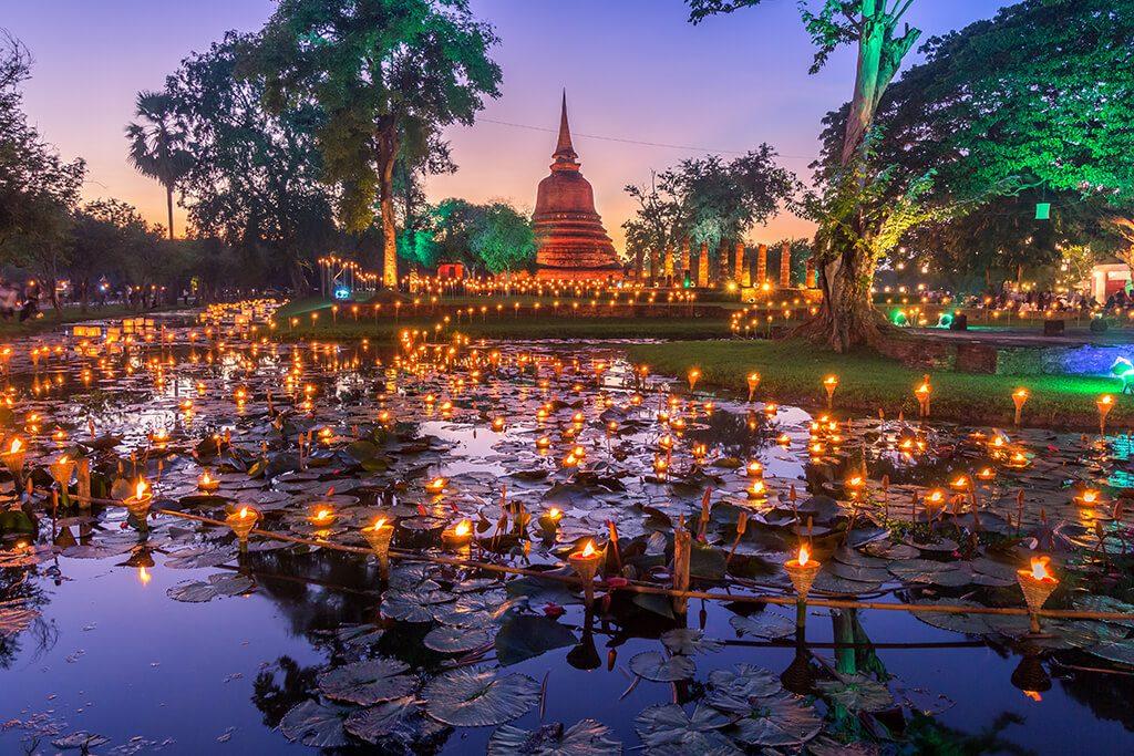 Loy Krathong جشنواره نورپردازی