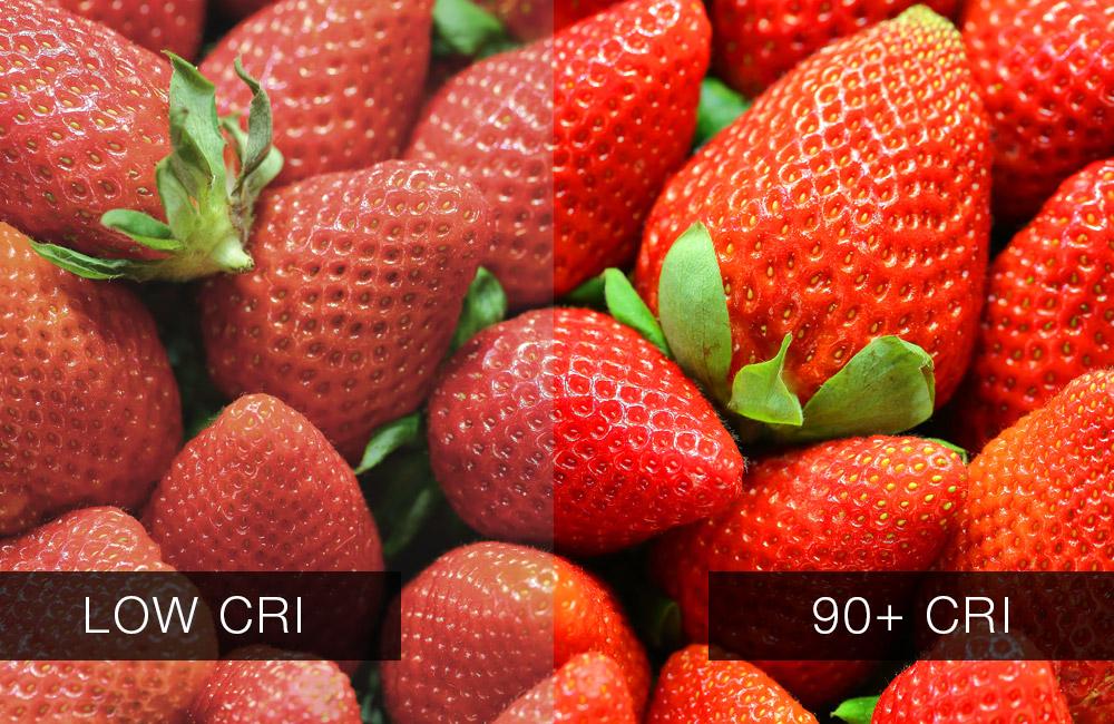 توت فرنگی زیر دو منبع نوری با شاخص نمود رنگ متفاوت